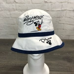 Walt Disney World Mickey Mouse bucket hat